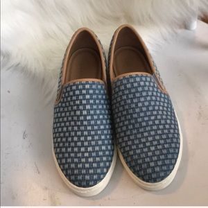 Splendid slip-on comfy and stylish shoes